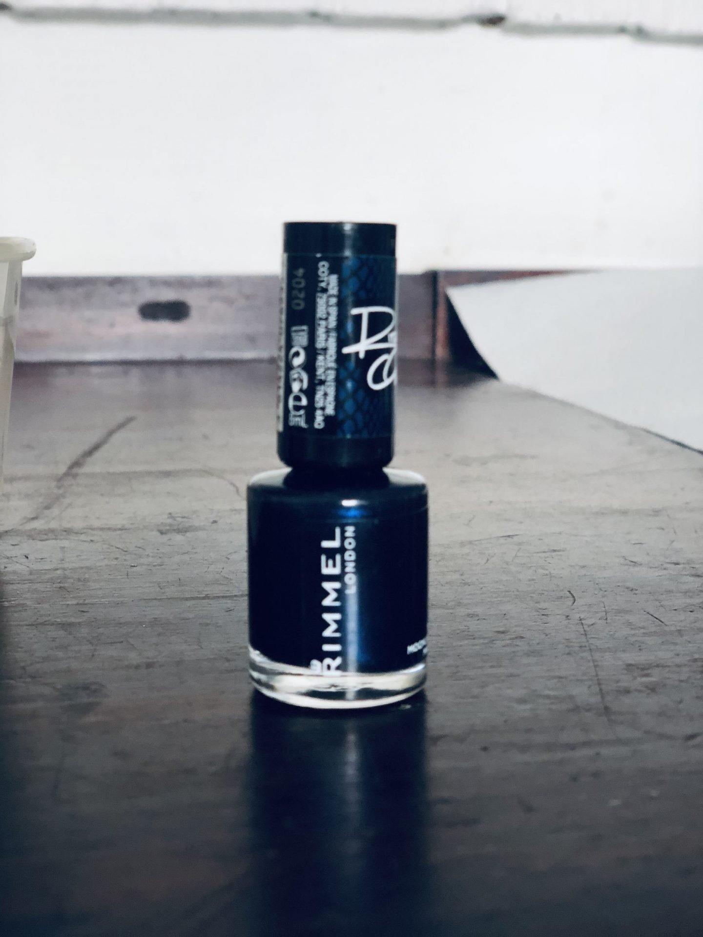 Blue nail varnish