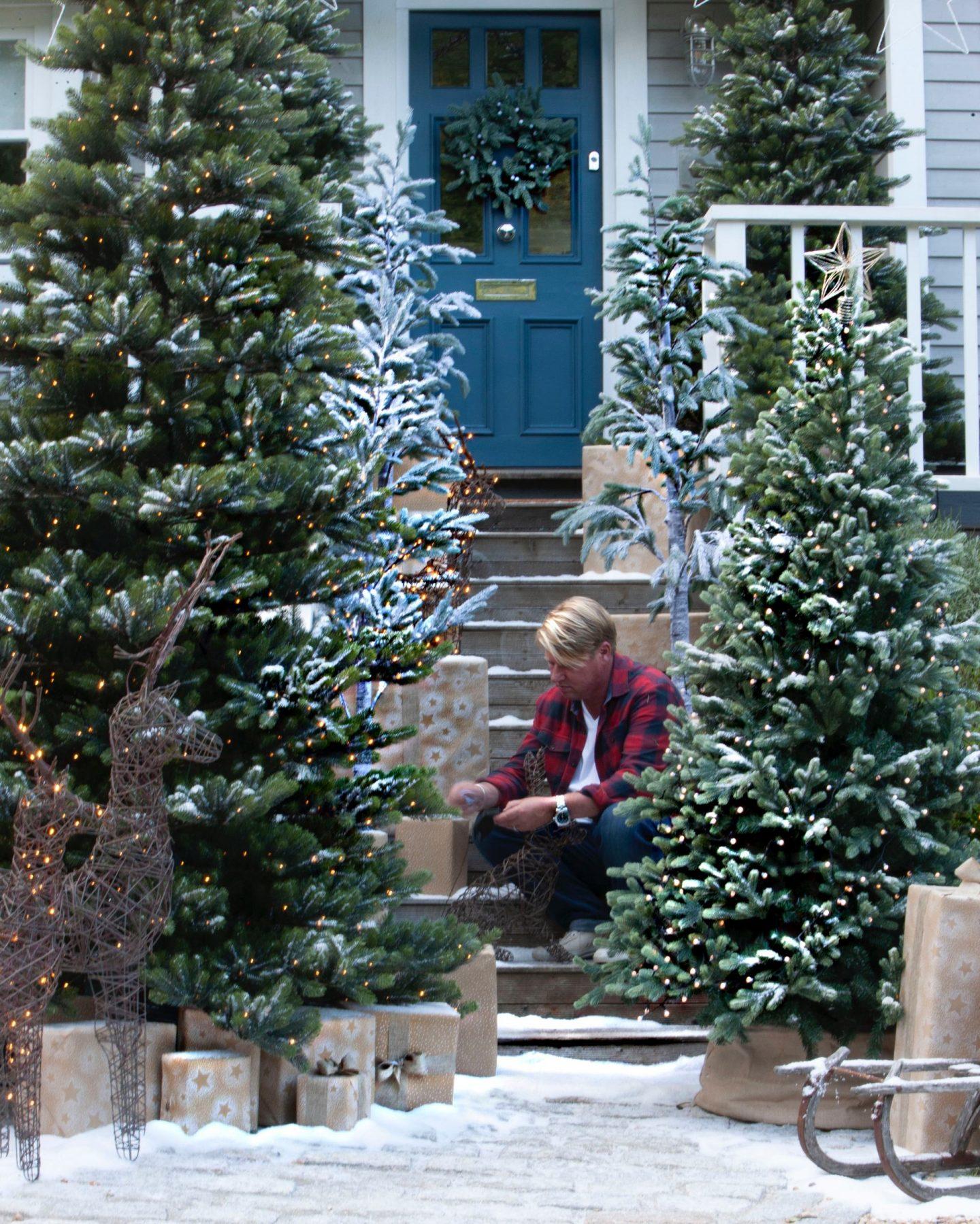 A christmas front door