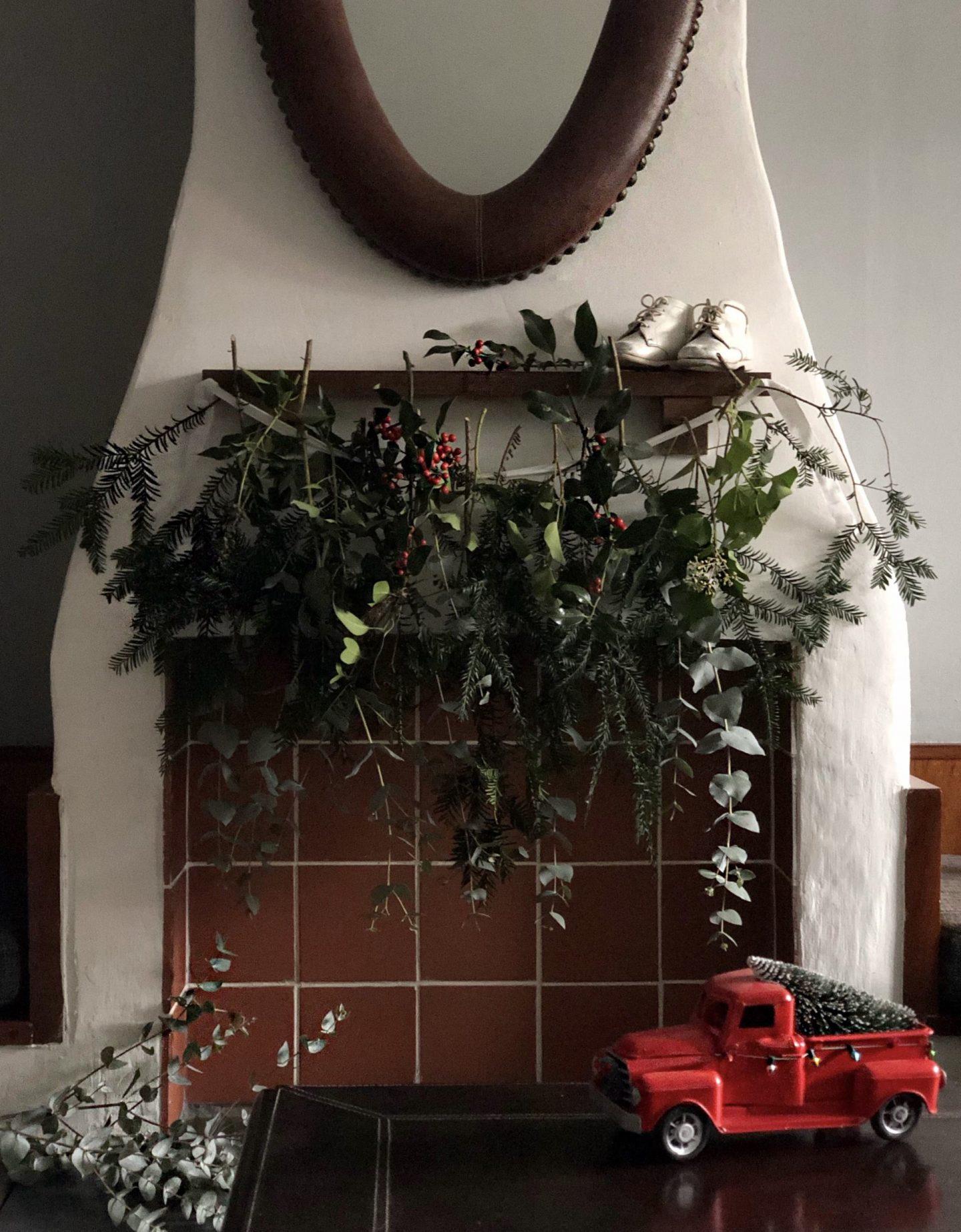 Scandi natural christmas hanging garland.