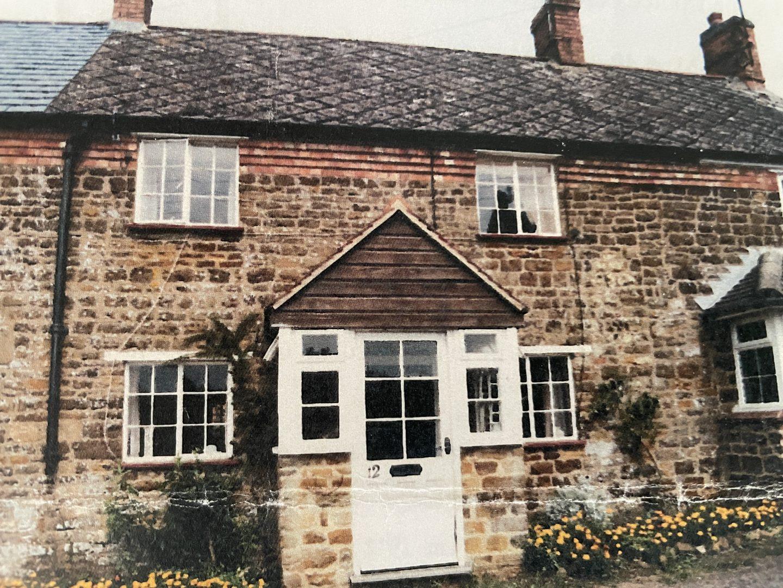 1703 cottage bought by @jpslifeandloves